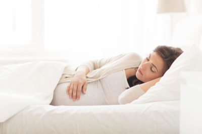 Dr. Victoria J Mondloch reveals the best sleep tips for pregnant women
